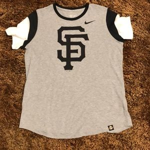 Women's San Francisco Giants T-Shirt.